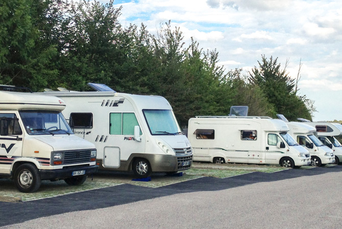 aire-camping-car-garennes