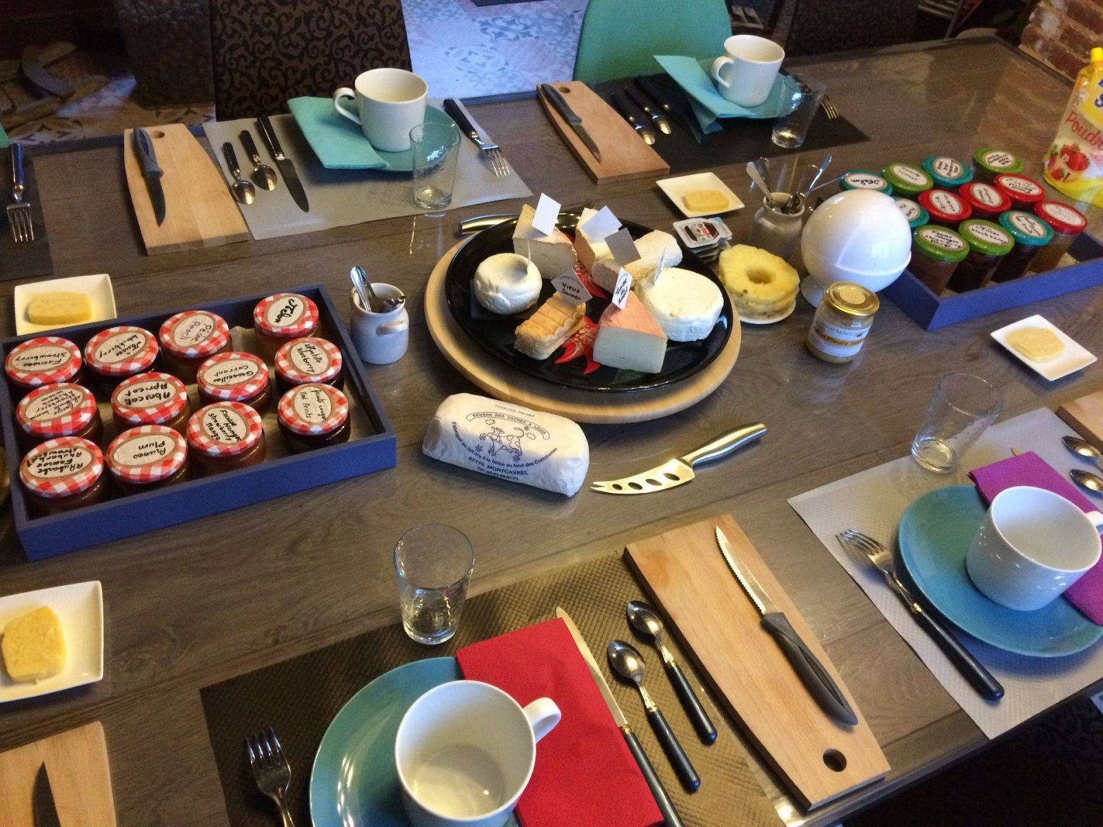 clos-dessyag-montcavrel-petit-dejeuner