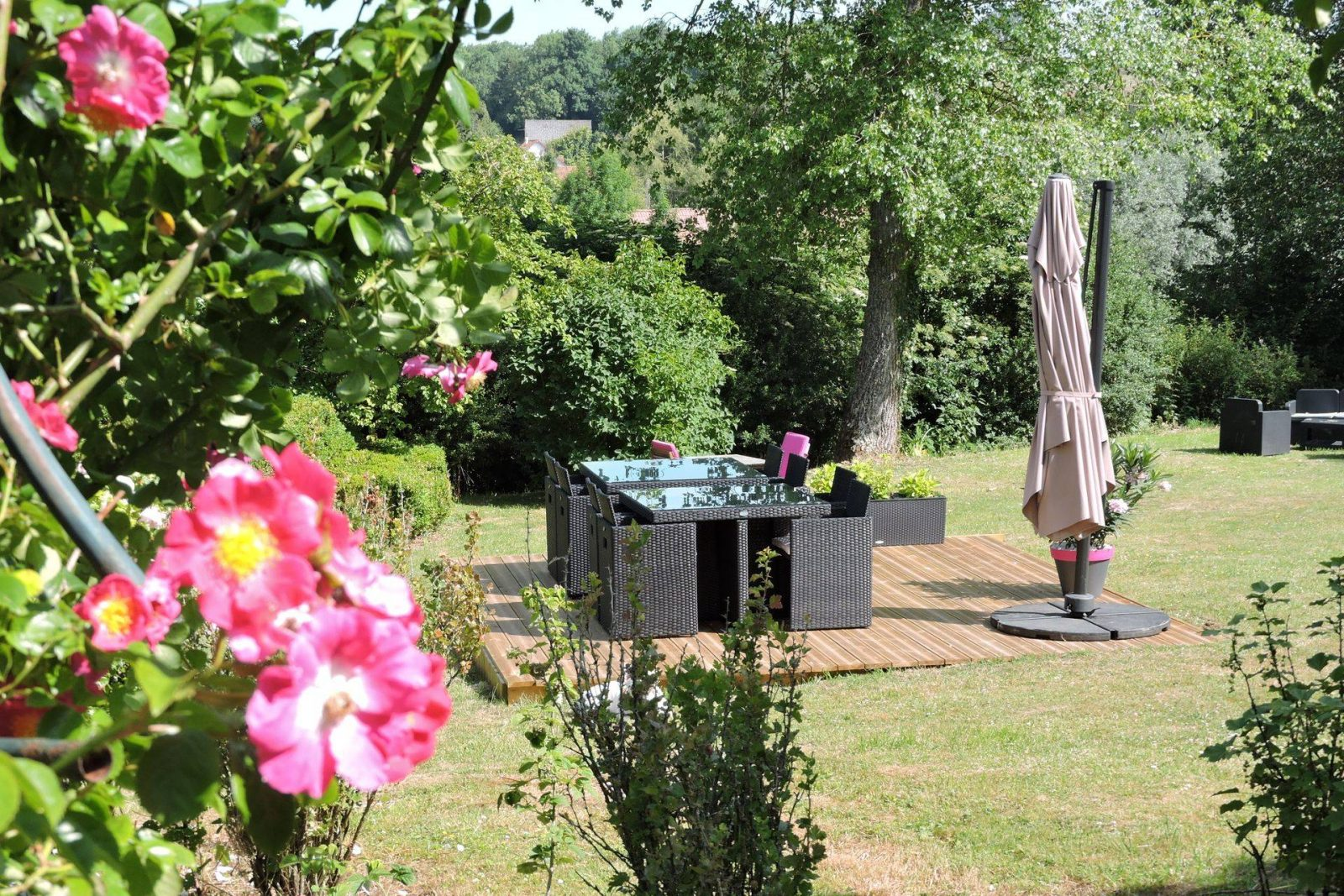 clos-dessyag-montcavrel-terrasse-jardin